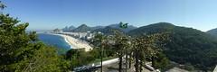 Panorâmica Copacabana - Vista do Morro do Leme (Louise Pedroso) Tags: panorama panoramica pan caminhada morro forte passeio leme fortedoleme morrodoleme