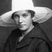 PEM-CHA-00096 Portrett av kvinne med hatt