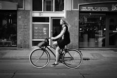 fiets (Alessandro Vieira) Tags: street girl amsterdam bike europa bicicleta holanda rua holand straat girlwithbike