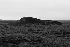 Die Insel (Joeywolf42) Tags: mountain berg island iceland nikon urlaub hill north norden insel icelandic hgel ebene d90 ferienreise islndisch