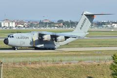 "Airbus A400M Atlas Airbus Military (AIB) ""Grizzly 2"" EC-402 - MSN 002 (Luccio.errera) Tags: aib military airbus atlas msn 002 tls a400m ec402 grizzly2"