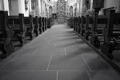 abbey church . Fischingen (Toni_V) Tags: bw church monochrome schweiz switzerland blackwhite europe dof suisse bokeh 28mm perspective kirche rangefinder monastery svizzera jakobsweg kloster 2014 klosterkirche thurgau svizra sep2 iso1000 abbeychurch elmaritm fischingen toniv viajacobi leicam9 140321 l1015090 iddakapelle