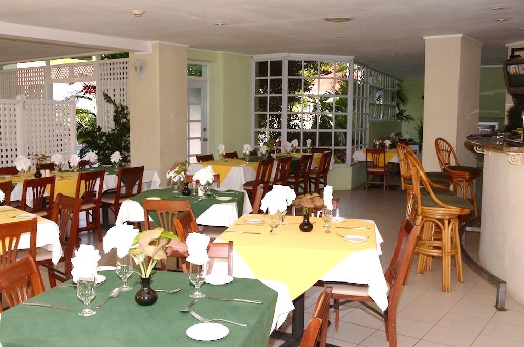 Palm Oasis Restaurant & Bar
