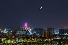 Farris wheel & new moon (Yi-Liang Lai) Tags: city longexposure light sky moon night canon cityscape outdoor taiwan kaohsiung newmoon          nightscpae canon6d