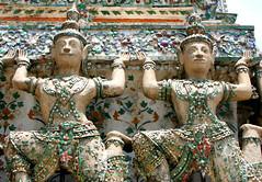 Bangkok: Wat Arun detail (JH Photos!) Tags: architecture canon thailand temple bangkok canon350d architektur architectuur tempel architectura budhism boedhisme janneman2007