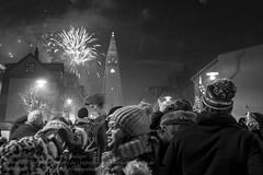 Silvester in Reykjavik (Agentur snapshot-photography) Tags: iceland island reykjavik silvester bonfire sylwester jahreswechsel feier party neujahr neujahrsnacht feuer feuerwerk raketen böller feiern personen nachtleben lagerfeuer silvesterraketen tradition stadt bevölkerung touristen tourismus sehenswürdigkeiten kirche kirchen wahrzeichen feuerwerksraketen leuchtspuren silvesternacht isl