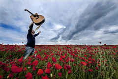 Red Heaven. (Explored!) (pasotraspaso. Jesus Solana Fine Art Photography) Tags: red sky music cloud field rio del nikon heaven guitar country poppy terrific perales d80 pasotraspaso