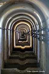 Pontos de fuga,... Aqueduto das guas Livres (Vitor Estrela Santos) Tags: lisboa aqueduto epal aquedutodasaguaslivres museudagua marquesdepombal linhasdeagua vitormes caminhosdeagua