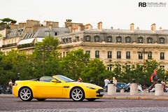 V8 Vantage Roadster (Raphal Belly Photography) Tags: paris car yellow jaune photography eos photographie martin champs elyses des belly exotic giallo 7d passion avenue raphael rb supercar v8 aston spotting vantage supercars roadster raphal gialla