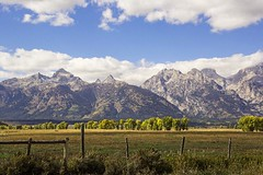 Landscape in Grand Tetons National Park (Mysophie08) Tags: mountains fence unitedstatesofamerica wyoming thumbsup infocus grandtetonnationalpark highquality bigmomma tetonmountains gamewinner thechallengefactory yourockwinner gamex2winner herowinner storybookwinner gamex3winner pregamewinner