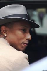Pharrell Williams 2. (Jayzzaa) Tags: paris france nerd happy punk bbc icecream kaws ram pharell daft fashionweek pharrell daftpunk neptunes bape pharrellwilliams blurredlines vendôme commedesgarçons pwf randomaccessmemory getlucky skateboardp 2013 robinthicke despicableme
