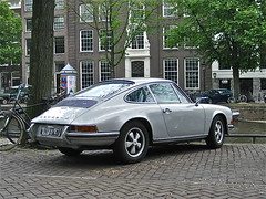 1974 PORSCHE 911T S (ClassicsOnTheStreet) Tags: classic amsterdam 1974 classiccar 911 s porsche 70s oldtimer streetphoto spotted 1970s import coupe keizersgracht streetview aircooled imported 911t klassieker 6cylinder gespot 2013 luchtgekoeld straatfoto carspot 6cilinder luchtkoeling ingevoerd 40yb47