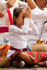 girl praying (Sam Scholes) Tags: travel vacation portrait bali cute digital indonesia temple nikon candid prayer religion pray praying ceremony hindu hinduism besakih rendang d300 purabesakih practitioners mothertempleofbesakih easternbali