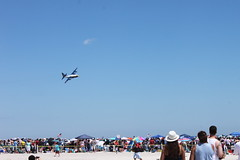 BLUE ANGELS perform at the Bethpage Air Show at Jones Beach State Park  5/25/14 (Baking is my Zen) Tags: blueangels jonesbeach carmenortiz bethpageairshow bakingismyzen memorialdayweekend2014 blueangelsatjonesbeachstatepark blueangelsatjonesbeach bethpageairshowatjonesbeachstatepark
