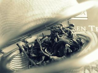 In between -Ahmad jasmine green tea (Macro Monday)