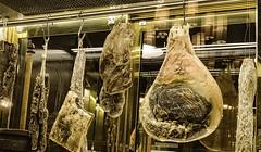 Qui viens souper ? / Lunch time.... (Gilles Meunier photo) Tags: meat viande food nourriture prosciutto restaurant quebec québec hôtel frontenac