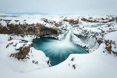 [ … Aldeyjarfoss ] (Raymó) Tags: island iceland aldeyjarfoss waterfall workshop fotoreise nikon d810 lucroit reallyrightstuff blue bluewater frozen winter snow