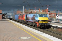 """DB Cargo Rail Class 90/0's, 90024 & 90018 """"Pride of Belshill"""" (37190 """"Dalzell"""") Tags: celebrityrepaint customerlivery malcolm scottishloch pictogram dbschenker dbc dbcargorail red brelcrewe acelectric sparkies skoda class900 class90 90018 prideofbelshill 90024 90224 northwestern wigan"""