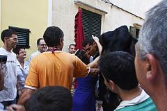 Entrega de la Bandera por parte de la mujer d'es Caixer Casat. (50josep) Tags: people canon fiesta fiestas menorca ciutadella santjoanciutadella canon40d sjoan 50josep geomenorca geomenorcaonlythebest