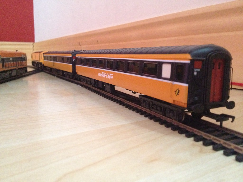Lima Oo Gauge Irish Rail Mark 3 Coach Oo Scale