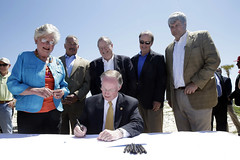 05-14-13 Gov. Bentley signs Gulf State Park lodge bill at Gulf Shores