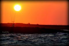 ... pochi istanti prima (FranK.Dip) Tags: desktop sunset sea wallpaper sky panorama costa tramonto nuvole mare alba explore cielo sole salento puglia cartolina raggi brindisi fotogrfico orizzonte sfondo sfondi mareadriatico frankdip