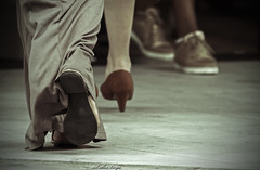 IMG_1783 (Esther Vinju Photography) Tags: street city portrait people building art netherlands shop buildings shopping star flat kunst nederland esther portret almere gebouw straat winkels gebouwen straatkunst winkelen vinju
