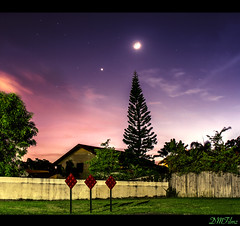 ~MoonShine~ (Dre@m Maker) Tags: longexposure sky moon canon moonlight moonshine skytheme canon7d slidersunday vision:sunset=0683 vision:outdoor=091 vision: