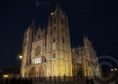 Catedral De Len (Daniel Matelln Fotografia) Tags: nikon edificio catedral d90 catedraldeleon nikond90 nikonista leonesp