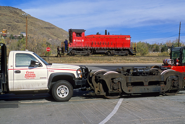 railroad train golden colorado co coors sw8 switcher emd coorsbrewingcompany c987 chevy3500 p1050 retrucking aartypeatruck