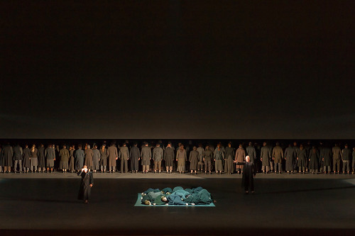 How to Stage an Opera: community in Dialogues des Carmélites