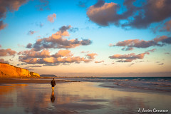 Los días del sur - (Explore VIII) (AvideCai) Tags: atardecer mar agua playa paisaje explore cádiz conil tamron2470 avidecai