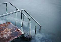 (MaRuXa fotografía) Tags: canon maruxa galicia escalera hierro oxido viejo mar sal ria pontevedra