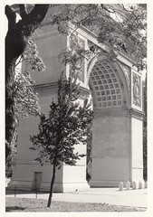 Washington Square Arch B&W, 1986 (promaine) Tags: newyorkcity ny newyork architecture us washingtonsquarepark monuments georgewashington greenwichvillage washingtonsquarearch nycparks newyorkcityparks stanfordwhite