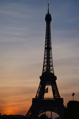 French sunset (__yaya__) Tags: sunset colors clouds sundown eiffeltower eiffel toureiffel frenchflag theskylookslikethefrenchflag