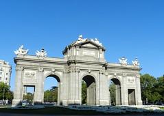 Madrid Puerta de Alcal 02 (Rafael Gomez - http://micamara.es) Tags: madrid espaa de spain puerta alcal