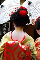 "Geisha-Back_Japan (""REGARD NOMADE"") Tags: color japan digital pentax geisha numérique japon couleur k10d pentaxk10d"