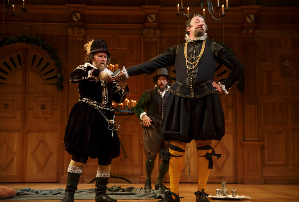 twelfth night and olivia sir toby Twelfth night contains many classic aspects of dramatic comedy  viola loves  orsino, sir andrew and malvolio love olivia) disguise (the plot  of comedy in  twelfth night is the slapstick humour generated by sir toby belch,.