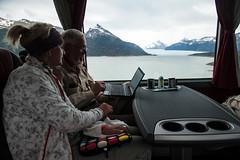 im Bus vor dem Perito Moreno Gletscher