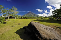 Obstruction (den_saluta { trying to catch up }) Tags: philippines wide uwa albay mayonvolcano nikkor1835mmf3545d d700 nikond700 hoyapro1dcpl