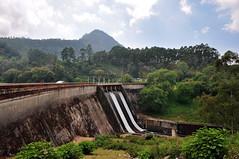 India - Kerala - Munnar - Kundala Dam - 1 (asienman) Tags: india mountains kerala hills teafactory teaplantation munnar teapicker asienmanphotography teaplantagens