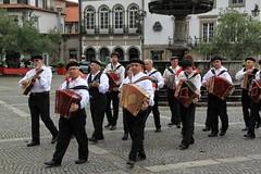 Ponte de Lima, Viana do Castelo, Portugal (aclopes50) Tags: pontedelima tradição folclore músicatadicional minho tradicional povo história cor alegria portugal banda fanfarra acordeon regional