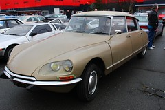Citroën DS 21 (alex73s https://www.facebook.com/CaptureOfAlex?pnr) Tags: auto old classic car canon french automobile european 21 francaise transport citroen ds meeting automotive voiture retro coche oldcar chambery macchina ancienne vehicule ds21 rassemblement europeenne