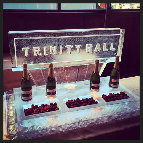 Beautiful night with a #champagne #icebar for the @trinityhallatx #openhouse Enjoy some bubbles while checking out the space and some great #Austin #eventprofs #fullspectrumice #thinkoutsidetheblocks #brrriliant - Full Spectrum Ice Sculpture