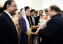 A goodwill gesture as Pakistan President's daughter presents a bouqet to the incoming Prime Minister (Doc Kazi) Tags: islamabad pak asif ali zardari bhutto mian nawaz sharif