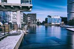 Ice (Maria Eklind) Tags: himmel weather outdoor water building malmö sweden winter reflection spegling sky ankarparken architecture turningtorso snow ice skånelän sverige se