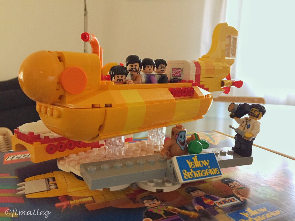 The World\'s newest photos of beatles and lego - Flickr Hive Mind