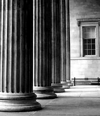 British Museum (catkin314) Tags: bw london window canon britishmuseum colonnade londonsubway ioniccolumn eos550d