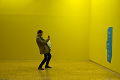 (Sonia Montes) Tags: color canon social sala museo hombre fotografa soniamontes