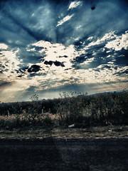 HDR Luminoso (José Ramón de Lothlórien) Tags: sky naturaleza sun luz sol nature clouds forest landscape arboles camino carretera paisaje jr bosque cielo freeway nubes campo hdr sendero rayoflight producciones rayodeluz